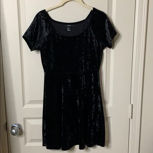 FOREVER21 Black velvet t-shirt dress